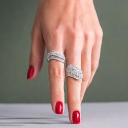 Pırlanta Yüzük- orta parmaktaki