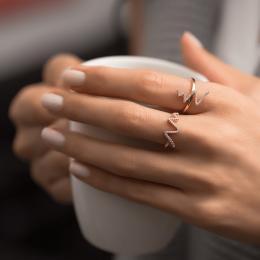 Pırlanta Yüzük- işaret parmağındaki